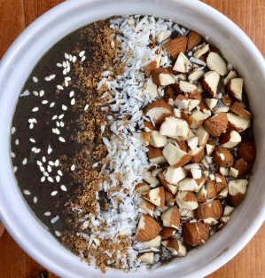 Oatmeal smoothie bowl